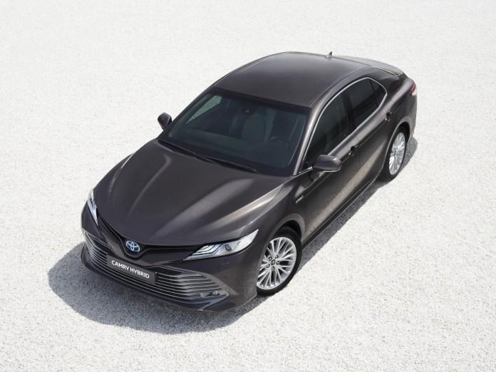 2019_Toyota_Camry_Hybrid_0001